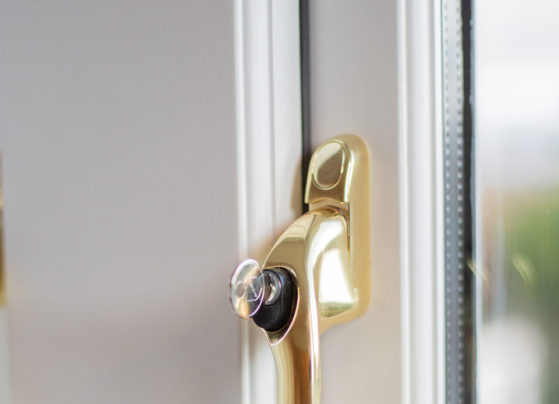 side hung window handle